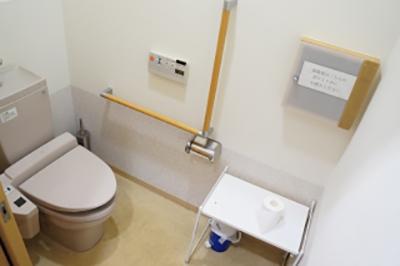 お手洗い・採尿室